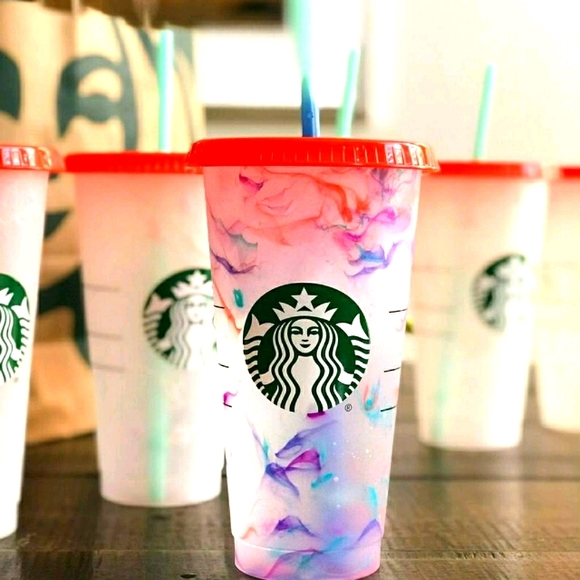 New Starbucks 2021 Color Changing Cold Swirl Cup